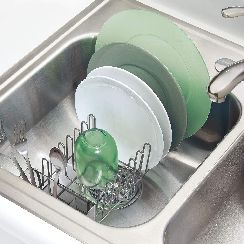 mDesign Escurridor de vajilla - Rejilla escurreplatos para la encimera o el  fregadero - Bandeja escurreplatos con cubertero de 3 compartimentos de  plástico ... ce9e631fbb85