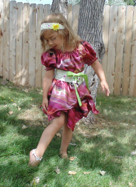 Girls 3T Little Flower Child Hippie 5 Piece costume with accessories!