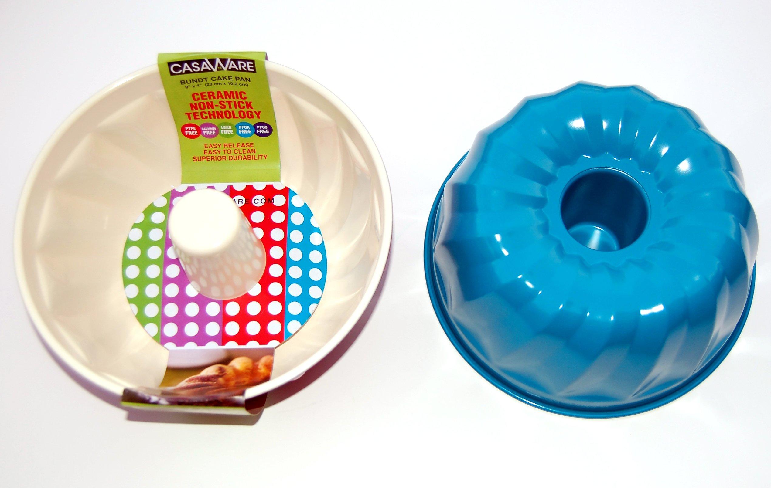 casaWare Ceramic Coated NonStick 9-Inch Fluted Cake Pan (Cream/Blue)