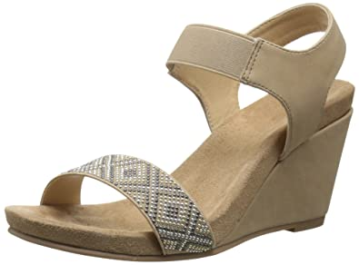 b3361843fcf7 CL by Chinese Laundry Women s The Beauty Wedge Sandal