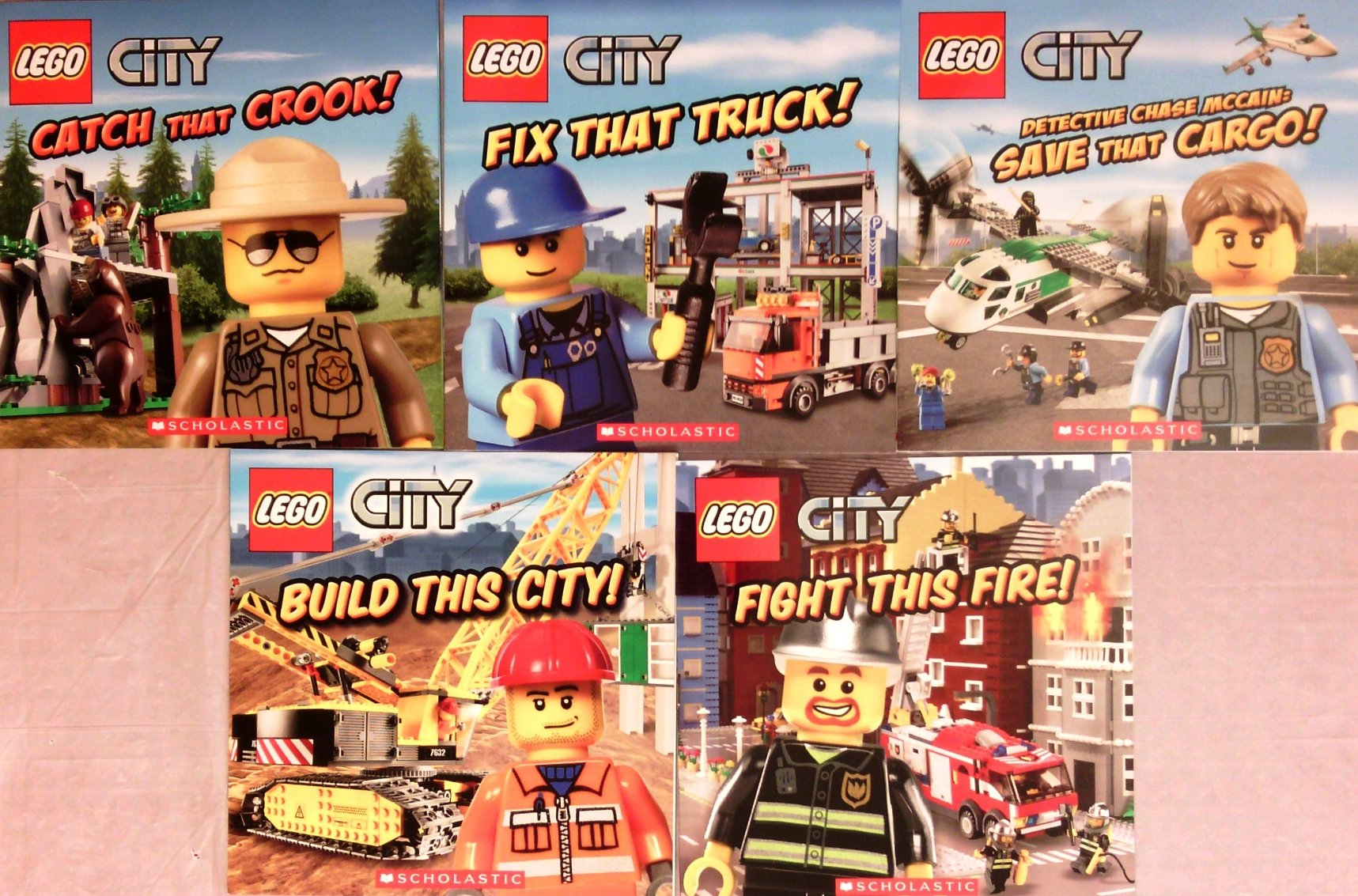Download Lego City Set of 5 Books: Catch That Crook, Fix That Truck, Detective Chase McCain Save That Cargo, Build This City, Fight This Fire ebook