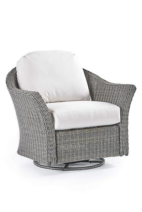 Stupendous Amazon Com Rattan Man Fiji Outdoor Patio Wicker Swivel Beatyapartments Chair Design Images Beatyapartmentscom