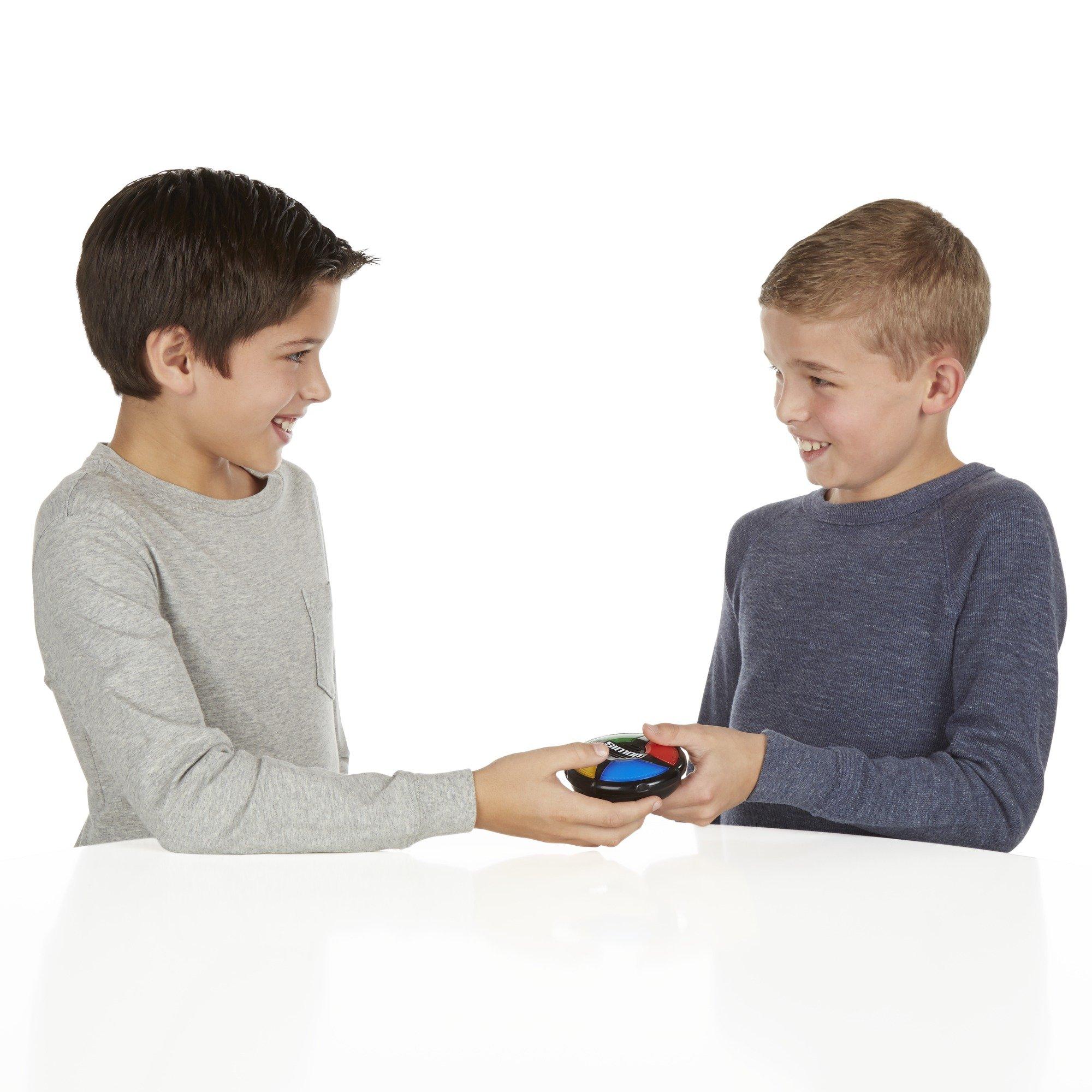 Hasbro Gaming Simon Micro Series Game by Hasbro Gaming (Image #4)
