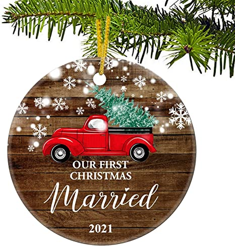 First Christmas Married Ornament 2021 Amazon Com Juppe Our First Christmas Married 2021 Decoration Mr Mrs Newlywed Ornament Romantic Couples Gift Red Car 4 Kitchen Dining