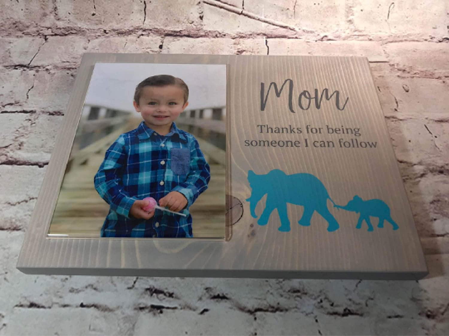 easy to change Mom picture frame No fuss easy to hang