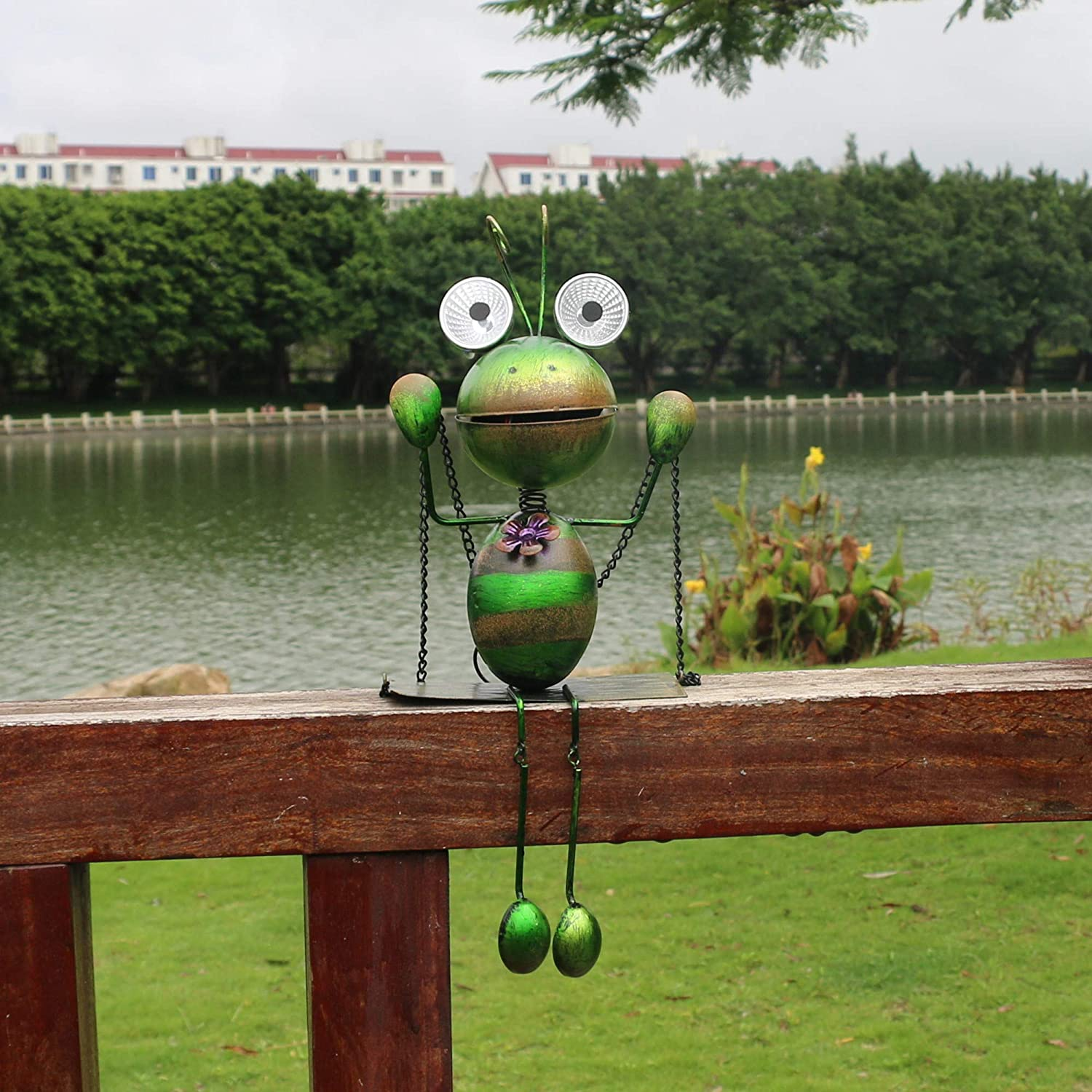 Outdoor Solar Lights - Metal ant Art Hanging Light, Courtyard, Indoor, Lawn, Garden Decoration