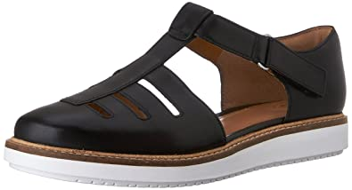 leather clarks sandals