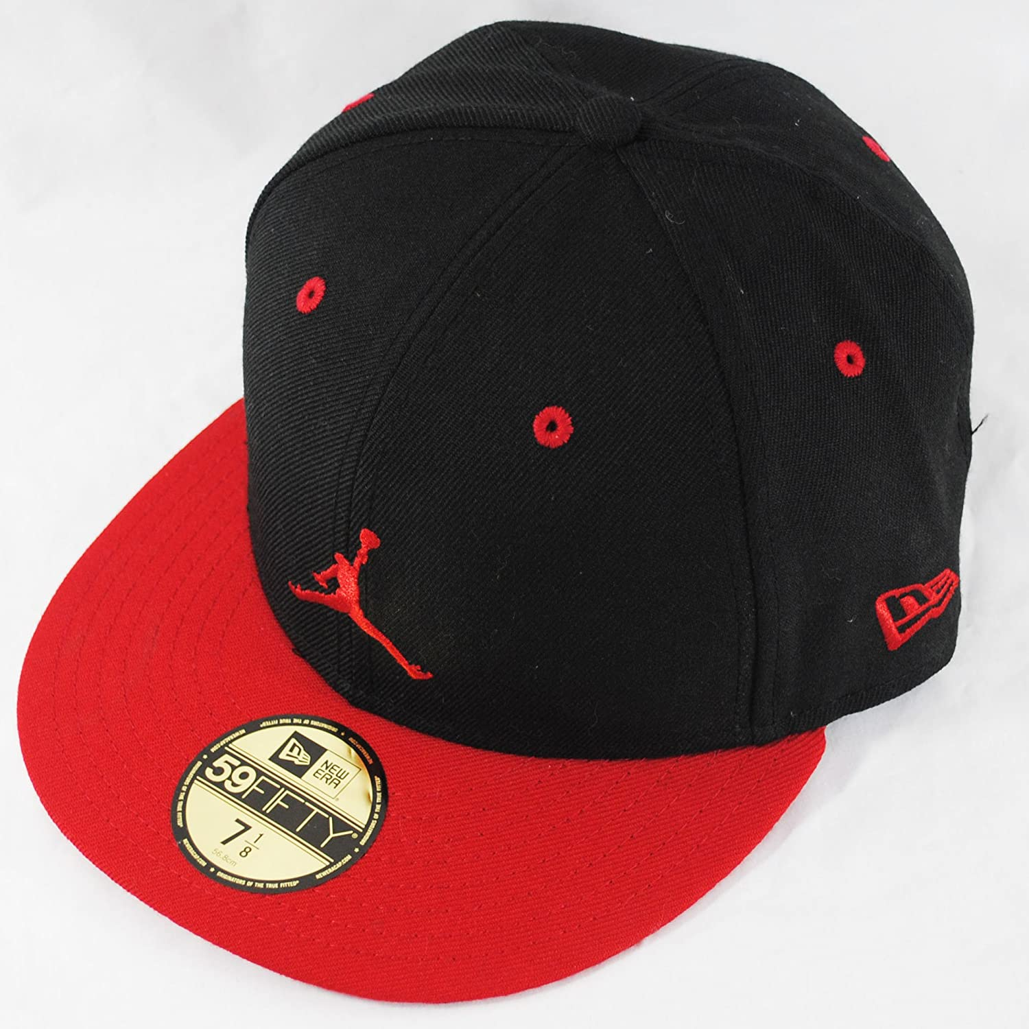 7800e5d7108a94 New Era 59fifty Michael Jordan Basketball Black Red Flat Peak Fitted Hat Cap:  Amazon.co.uk: Clothing