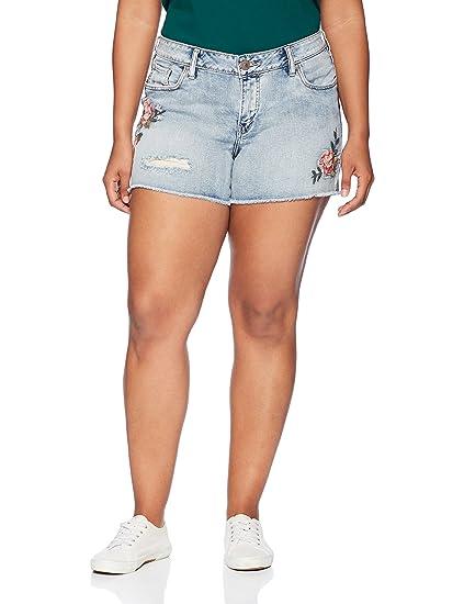 ae4ea52d8edb1 Amazon.com  Silver Jeans Co. Women s Plus Size Aiko Fit Mid Rise ...