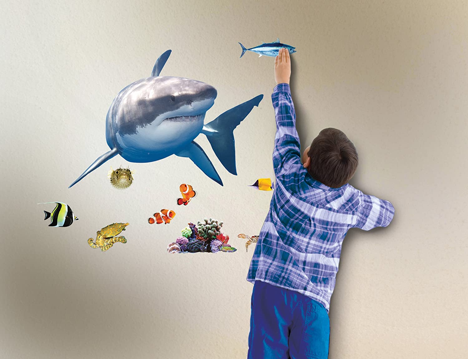 Amazon.com: In My Room Wild Walls Shark Encounter Wall Decal Light U0026 Sound  Show Room Décor: Toys U0026 Games Part 52