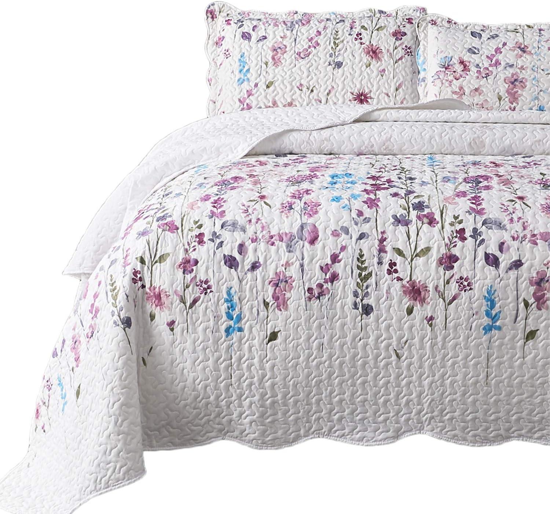 Amazon Com Bedsure King Quilt Set Bedspreads King Size Coverlet Lilac Flower Pattern Lightweight Design 1 Quilt And 2 Pillow Shams Home Kitchen