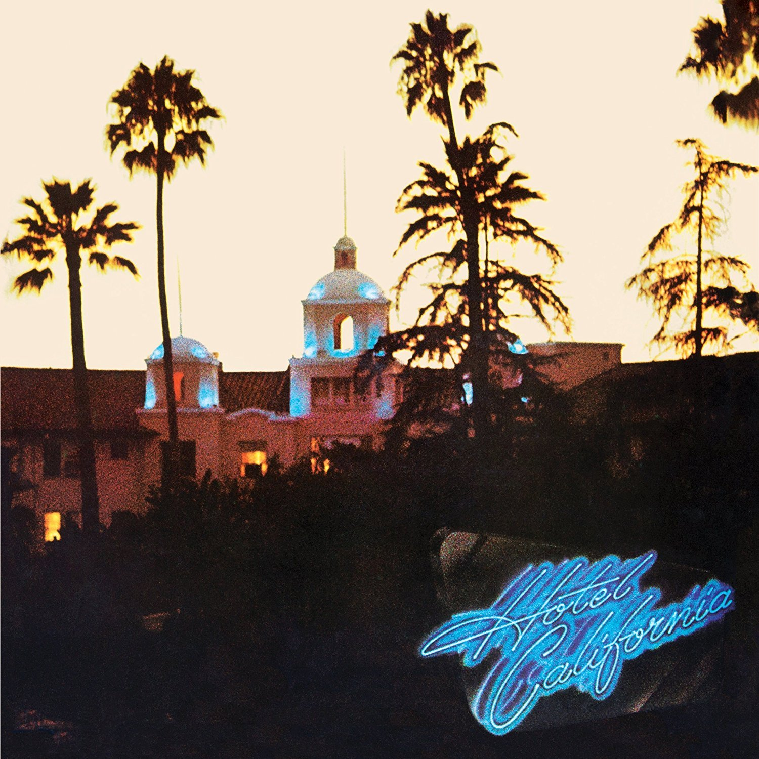 HOTEL CALIFORNIA (DELUXE EDITION) [2CD+BLURAY] (40TH ANNIVERSARY, 11X11 HARDBOUND BOOK, 10 PREVIOUSLY UNRELEASED LIVE RECORDINGS AND HI-RES/5.1 MIXES)