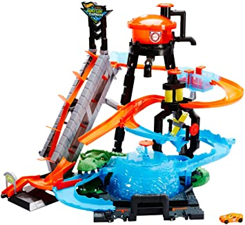Hot Wheels Ftb67 City Gator Car Wash Connectable Play Set With Diecast And Mini Toy Car