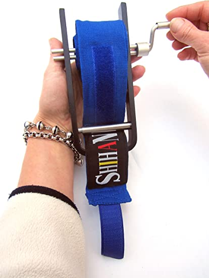 DELUXE Shihan Gym Training Hand Wrap ROLLER Quick /& Easy Boxing Bandage Roller