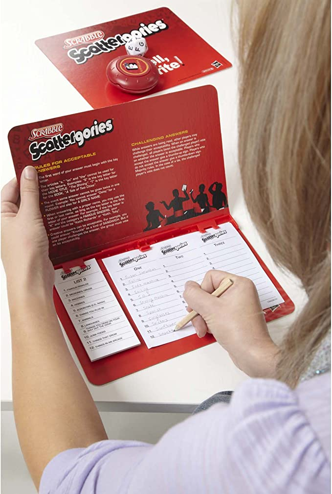 Hasbro Scrabble Scattergories Game by: Amazon.es: Juguetes y juegos