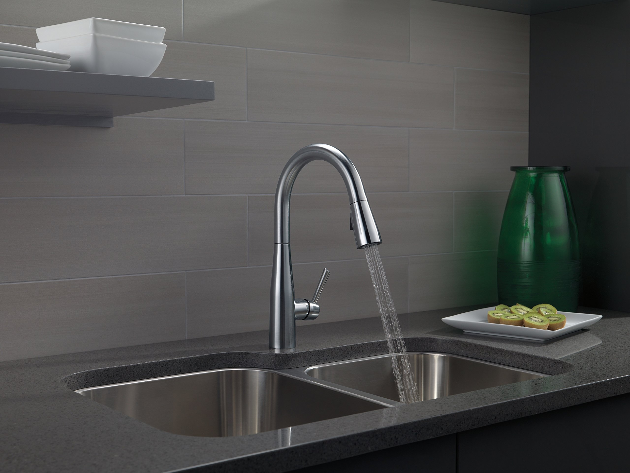 Delta Faucet Essa Single-Handle Kitchen Sink Faucet with Pull Down Sprayer and Magnetic Docking Spray Head, Arctic Stainless 9113-AR-DST by DELTA FAUCET (Image #5)