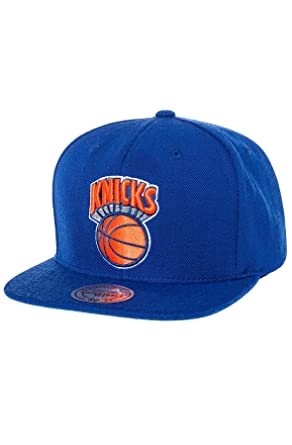 f6d1ea8f4f660 Mitchell   Ness Men s New York Knicks Wool Solid Snapback One Size Blue at  Amazon Men s Clothing store  Sports Fan Baseball Caps