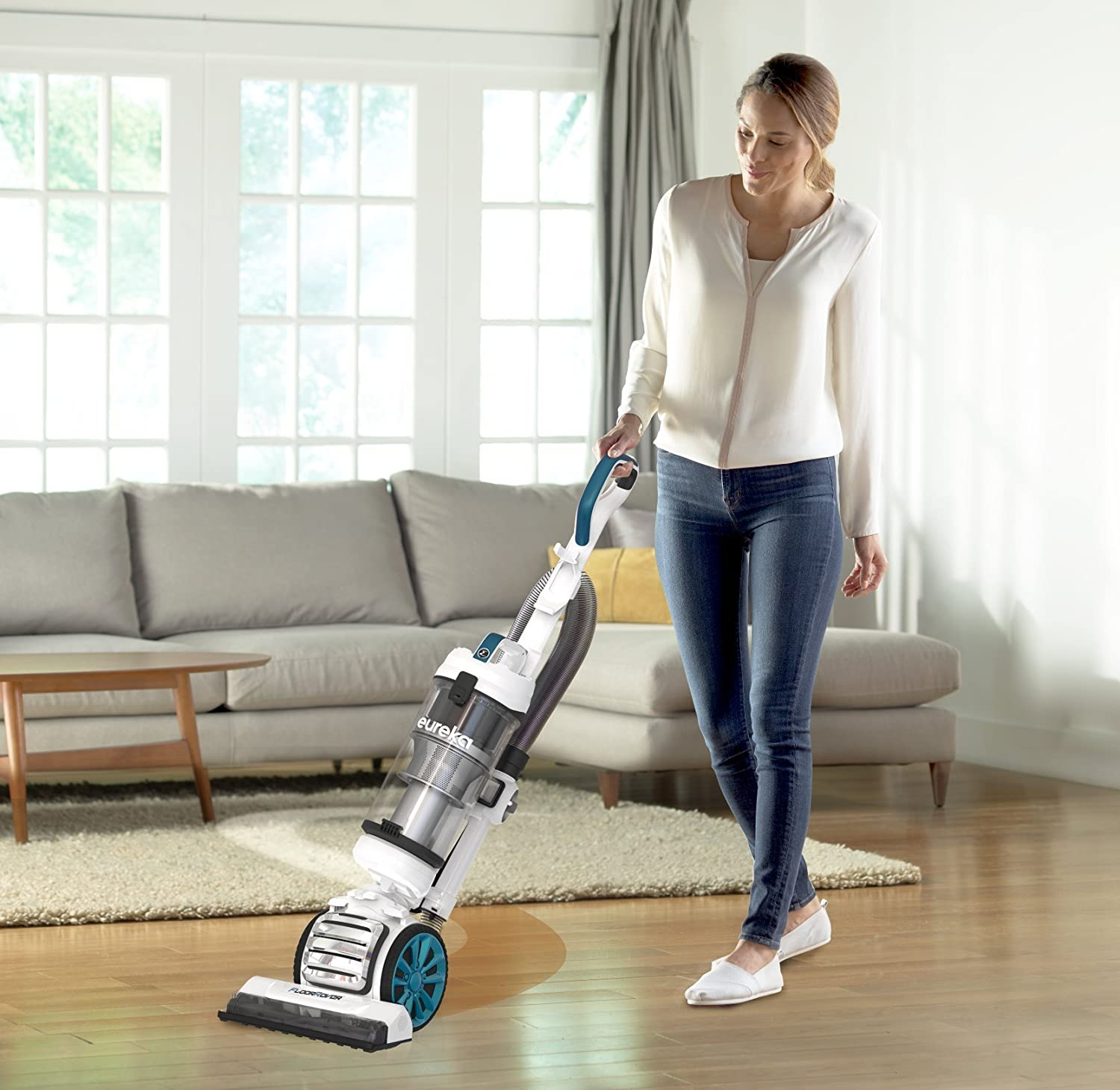 The 10 Best Vacuum Cleaners In 2018: Sharp, Compact And Quiet 22