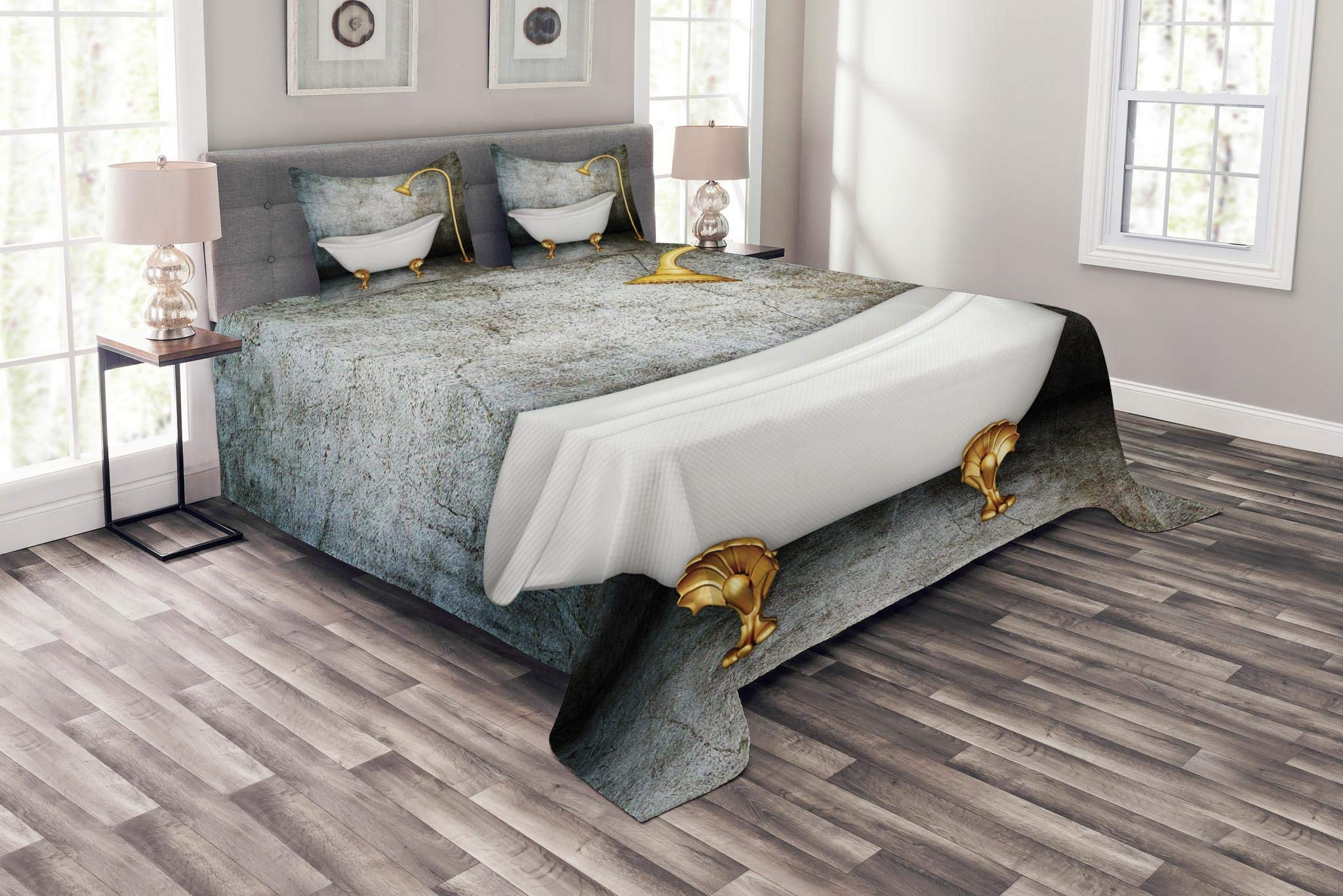 Lunarable Retro Bedspread Set King Size, Vintage Bathtub in Room with Grunge Wall Lifestyle Resting Spa Theme Art Print, Decorative Quilted 3 Piece Coverlet Set with 2 Pillow Shams, Grey White Gold