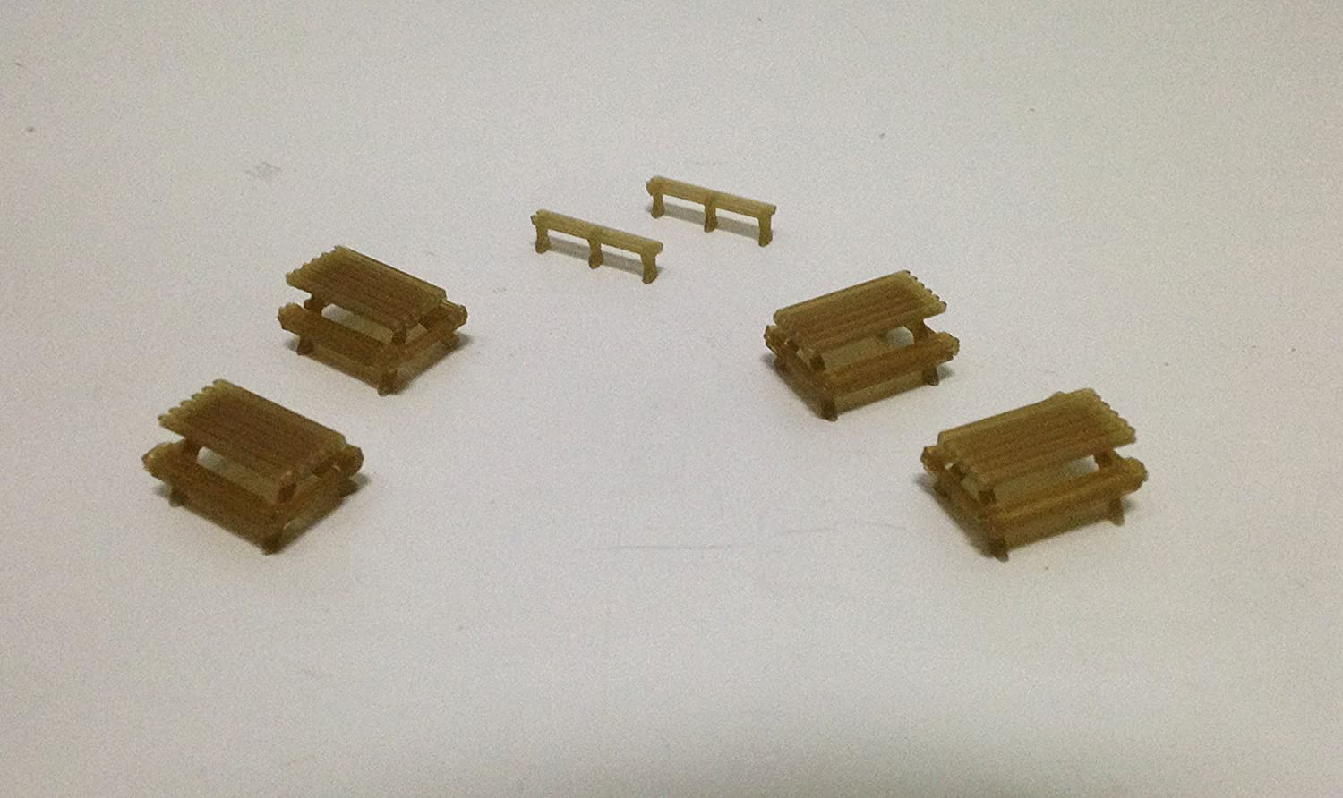 Outland Models Railroad Park / Garden Picnic Table x4 and Bench x2 Set HO Scale
