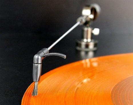 Brazo de tocadiscos para la limpieza continua de los discos de vinilo