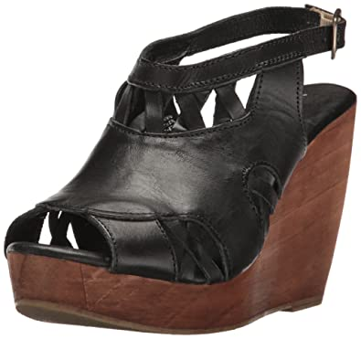 86104b7b556 Very Volatile Women s Sloane Wedge Sandal Black 7 ...