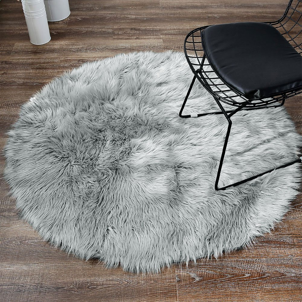 LEEVAN Plush Sheepskin Style Throw Rug Faux Fur Elegant Chic Style Cozy Shaggy Round Rug Floor Mat Area Rugs Home Decorator Super Soft Carpets Kids Play Rug, Grey 3 ft Diameter