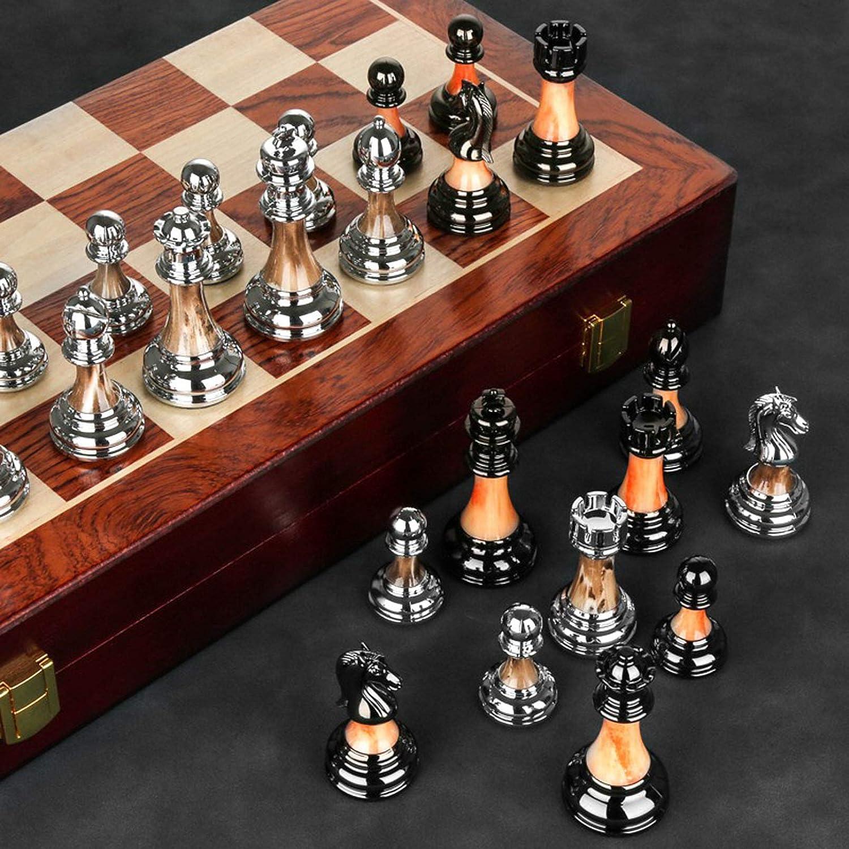 Elegantes Schachspiel aus Holz