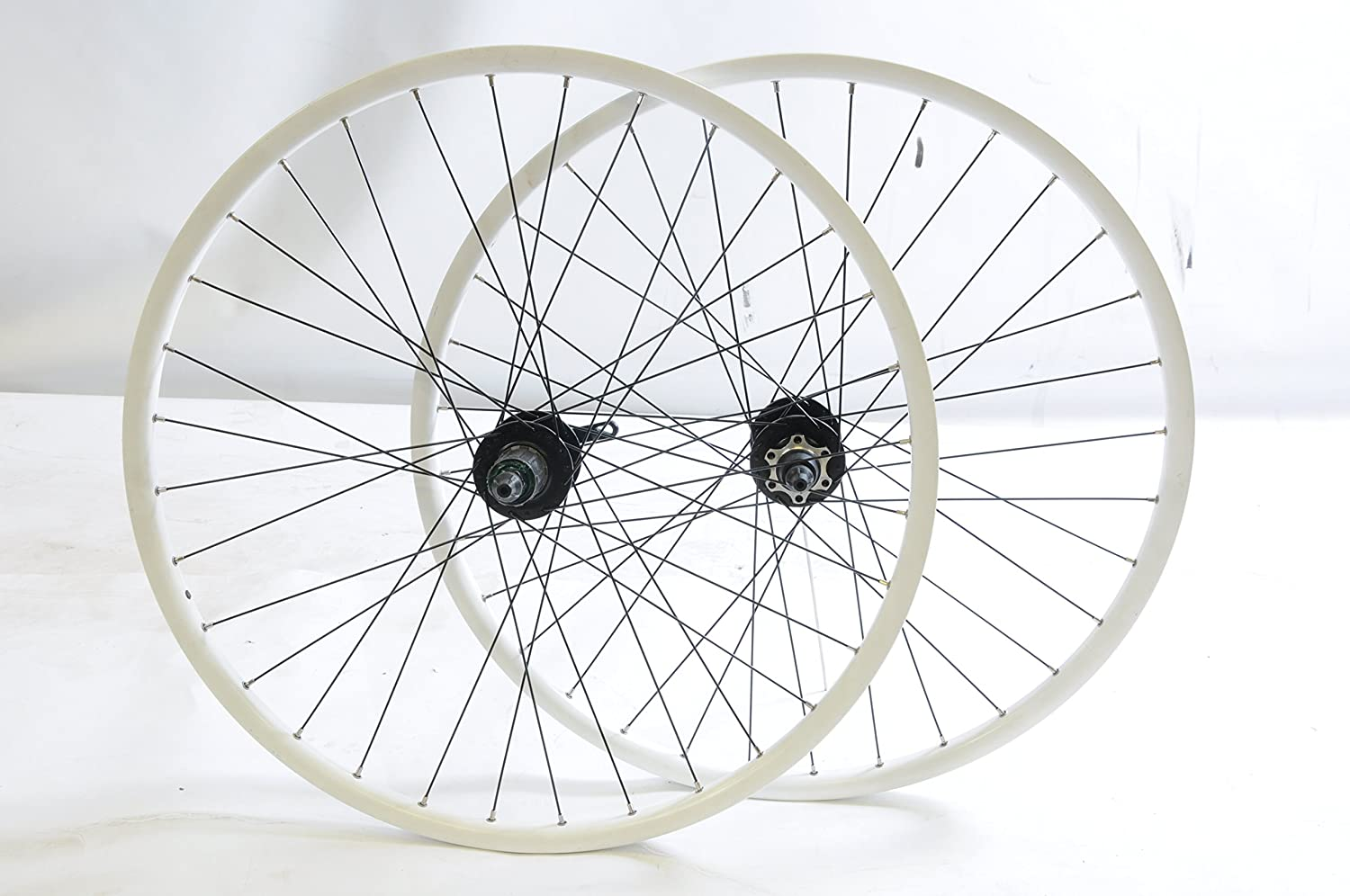 "Specialist Bike Parts PAIR 26"" MOUNTAIN BIKE MTB WHEELS WHITE RIM (559x19)  8 or 9 SPEED CASSETTE,DISC BRAKE BIKE WHEELS LOW SALE PRICE"
