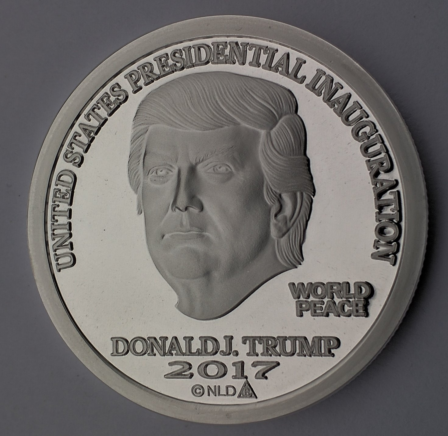 2017 DONALD TRUMP INAUGURAL SILVER DOLLAR COIN $25 1 TROY OZ. 999 $25 Brilliant Uncirculated