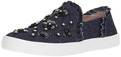 3b0f1cf44be9 Amazon.com  Kate Spade New York Women s Louise Sneaker  Shoes