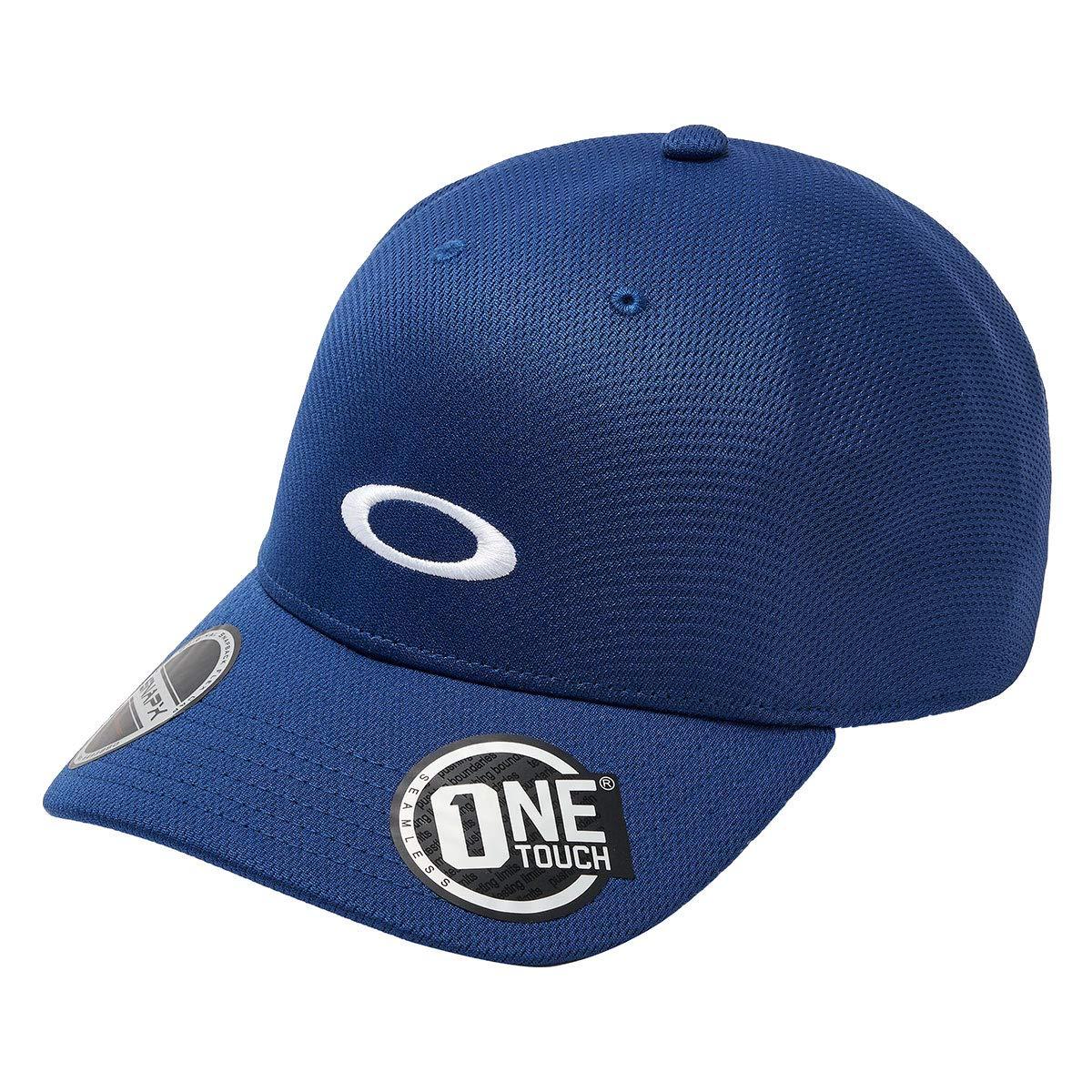online store 40db8 c8b6d Oakley Men s Tech Cap at Amazon Men s Clothing store