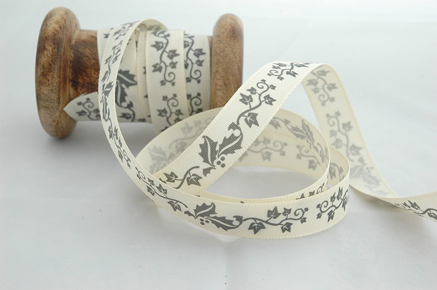 Cream /& Grey. Berisfords High Quality 15mm Wide x 3 Meters Christmas Ribbon