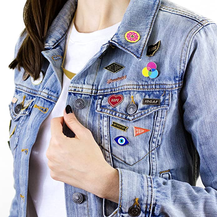 Amazon.com: Estos son cosas Nope Corazón Esmalte Pin: Jewelry
