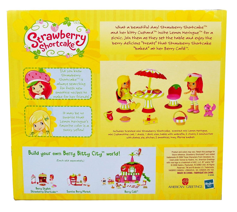 Amazon.com: Strawberry Shortcake Scented 3 Inch Doll Playset ...