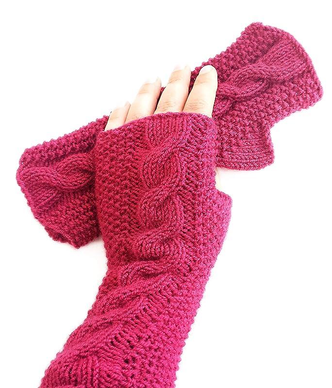 Cream /& Gold Knit Beanie And Fingerless Mitt Set in Magenta Pink