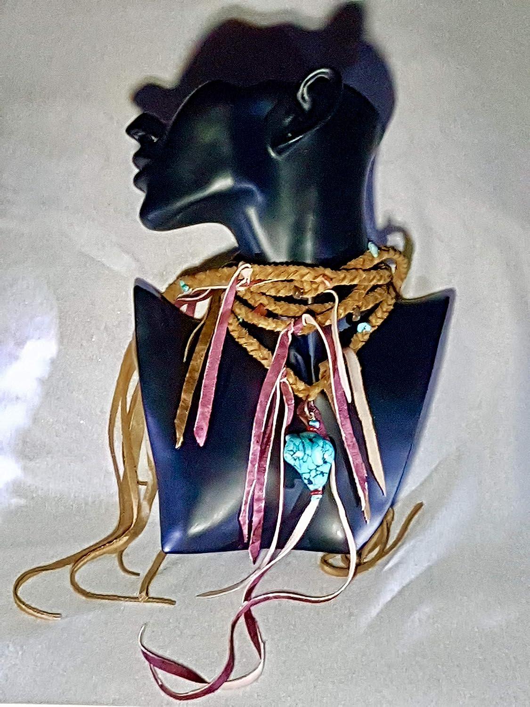 Collar de cuero con flecos, ojo de tigre, coral y turquesas. Lo puede usar de cinturón.