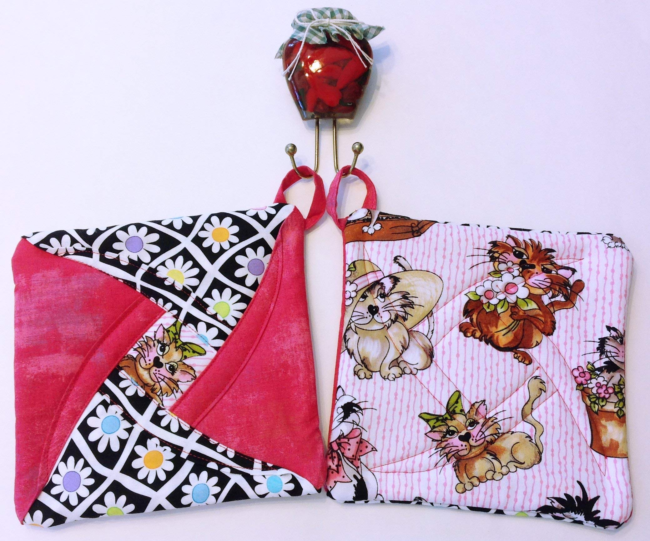 Handmade Reversible Quilted Potholders | Heat Resistant | Kitten Design | Set includes 2 potholders by Oh So Chic Boutique (Image #4)