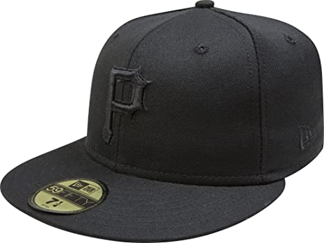 Amazon.com   New Era 59Fifty Pittsburgh Pirates Blackout Fitted Hat ... 95c19ed9dfb