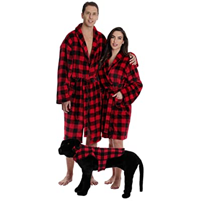 #followme Matching Velour Lounge Robes for Family Couples Dog and Owner Buffalo Plaid at Amazon Men's Clothing store