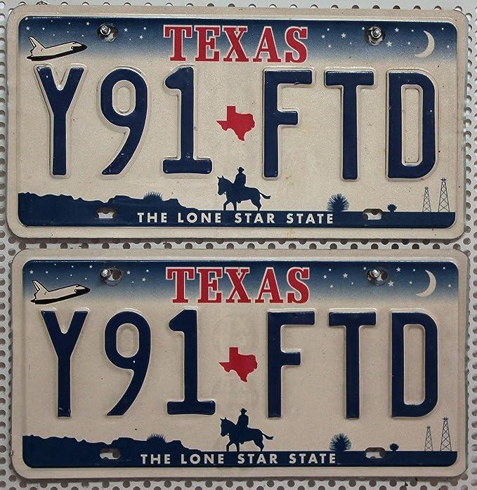 Usa Auswahl Von Fahrzeugschildern Texas Fahrzeug Kennzeichen Paar 2 Original Autoschilder Aus Den Usa Metall Schilder Us License Plates Pair Auto