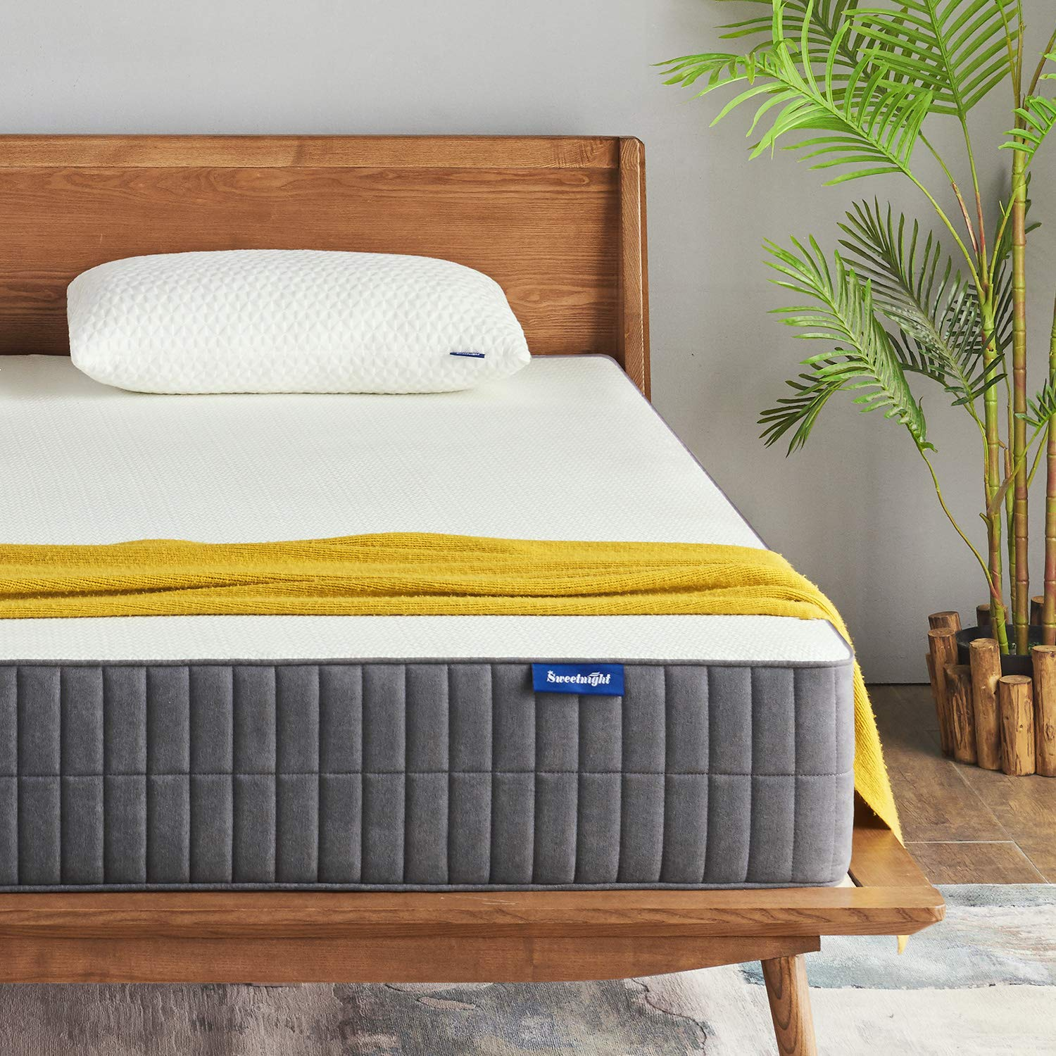 King Mattress, Sweetnight King Size Mattress- 10 Inch Gel Memory Foam Mattresses with CertiPUR-US Certified for Back Pain Relief/Motion Isolation&Cool Sleep, Flippable Comfort from Soft to Medium Firm