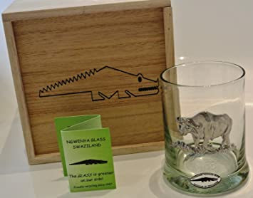 Comercio justo Ngwenya Cristal reciclado y cristal de whisky de peltre en caja de madera de diseño de Buffalo: Amazon.es: Hogar