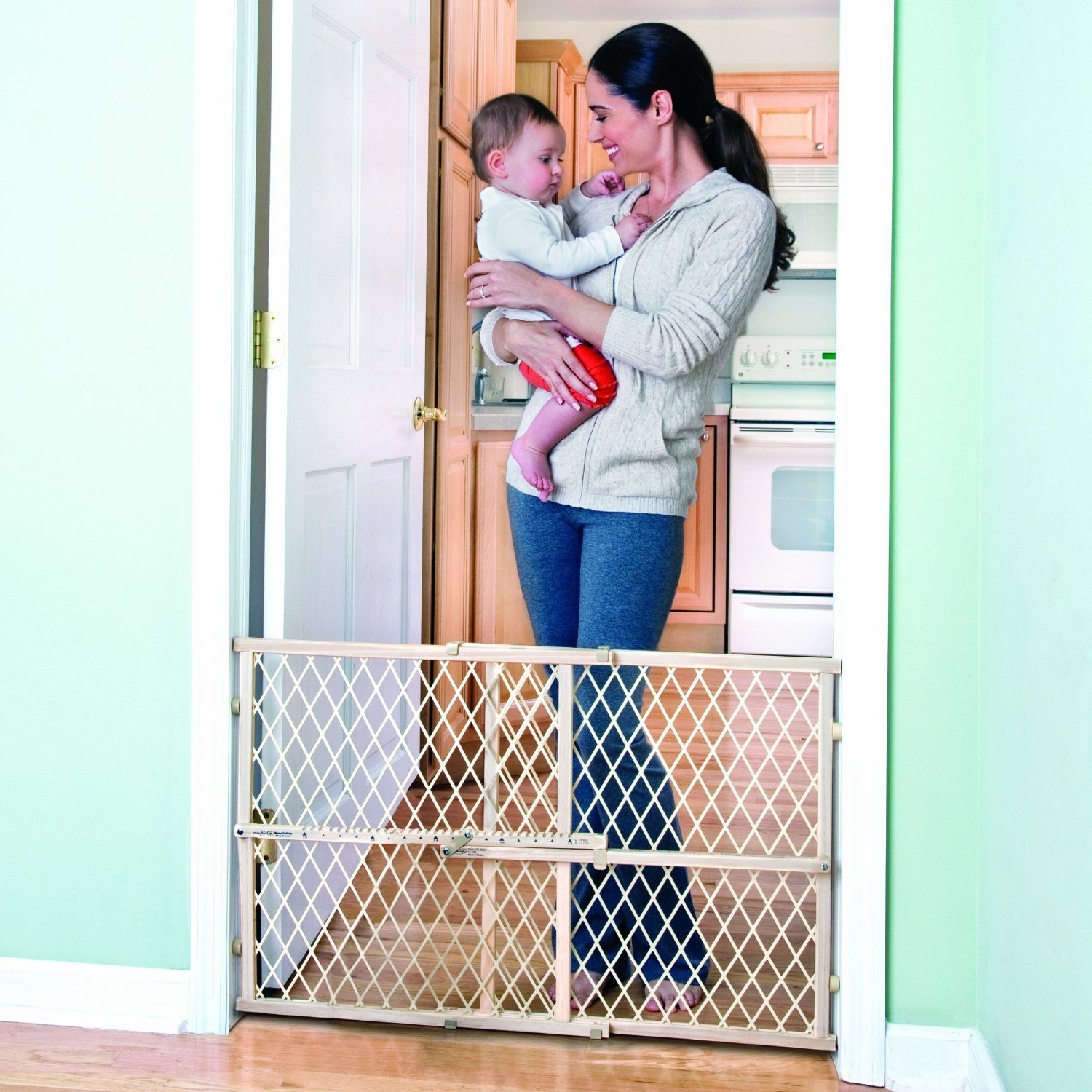Amazon.com : Evenflo Safety Baby Gate - Adjustable Wide and Tall ...