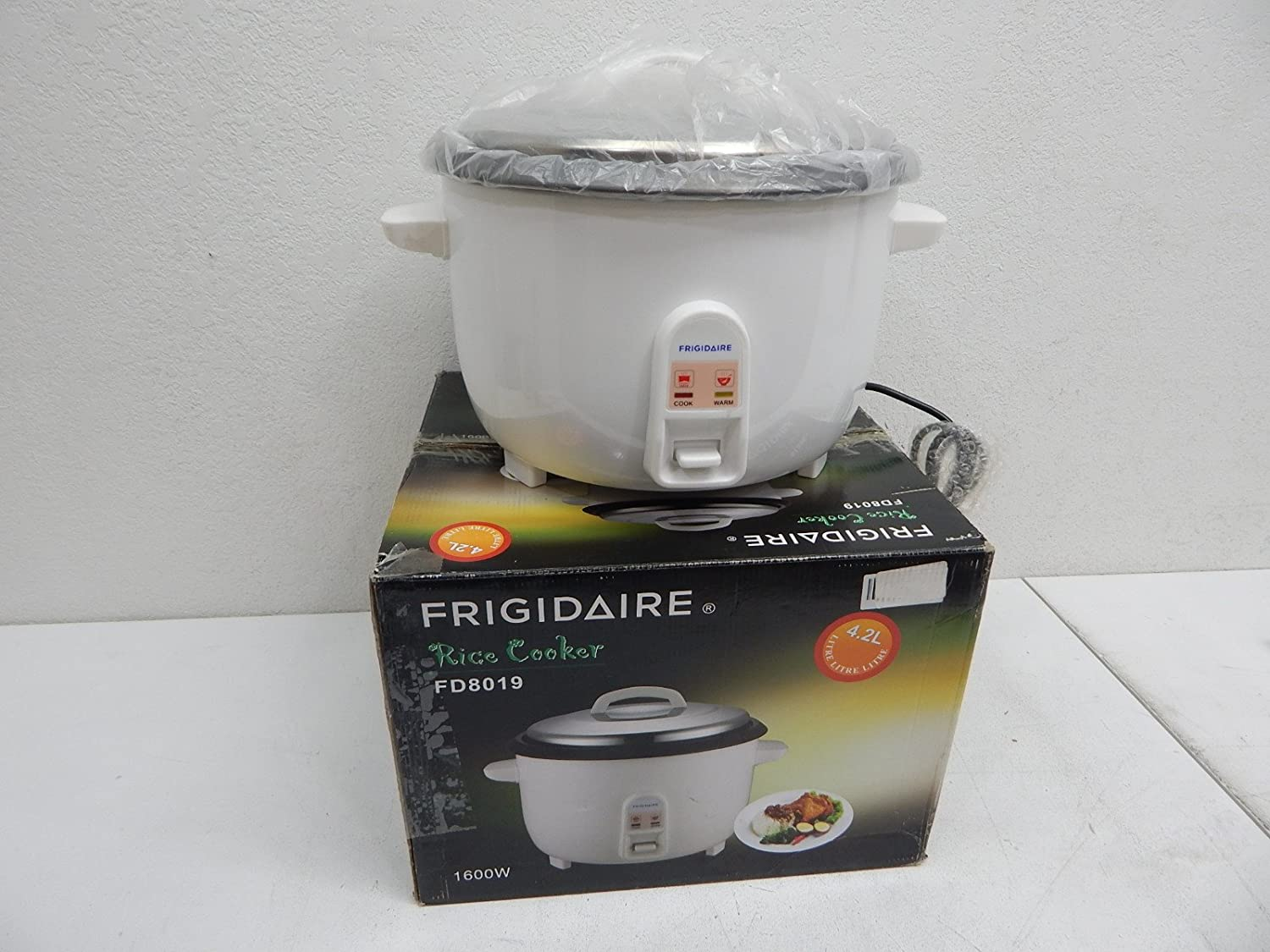 Frigidaire FD8019 4.2-Liter Deluxe Rice Cooker - 220 Volts