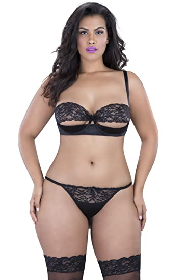 5d1401cd247c7 Amazon.com  Oh la la Cheri Women s Plus Queen Size Peek-a-Boo Tanga Panty   Clothing