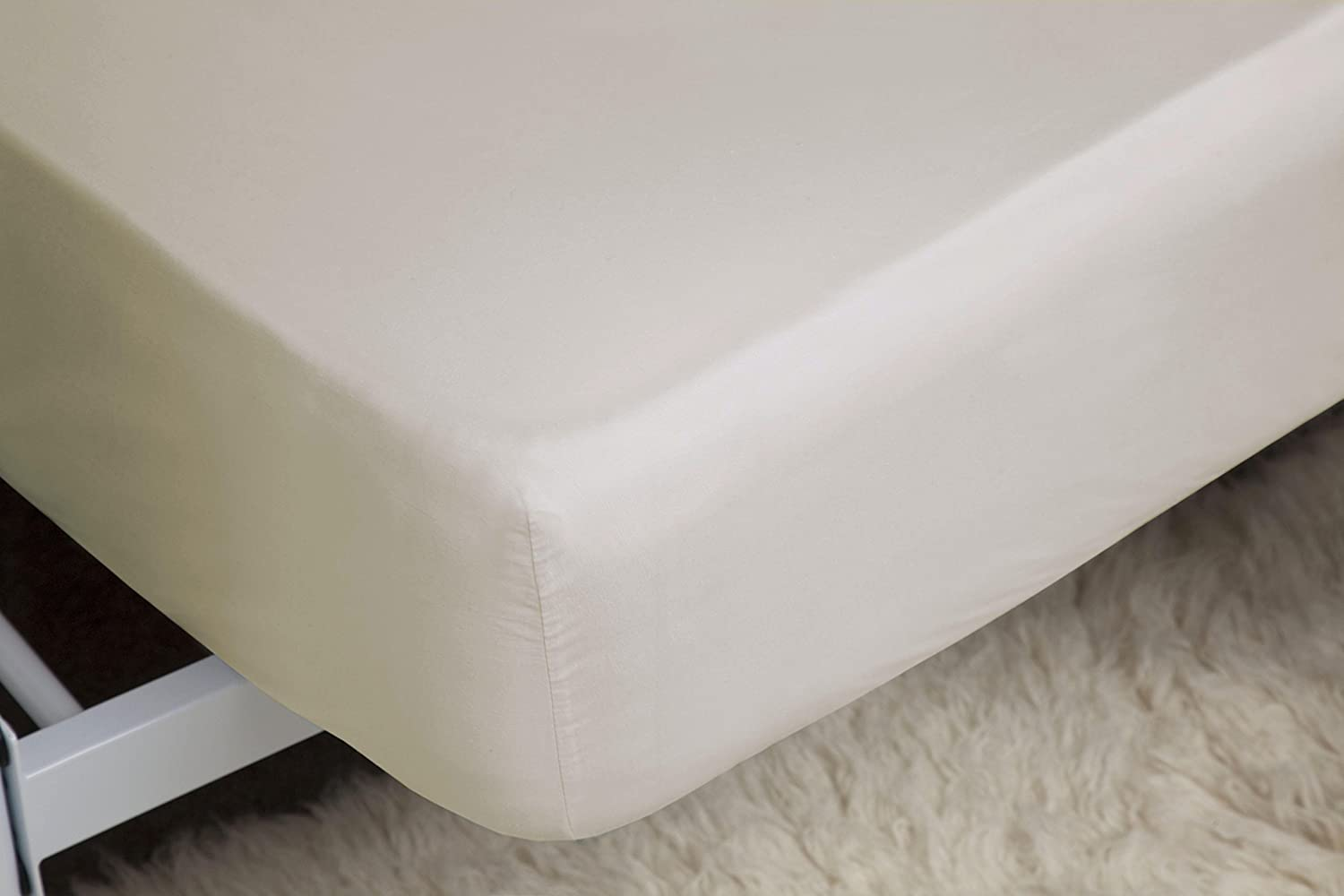 Belledorm Ultra Deep Ivory Fitted Sheet 100 Cotton 200 Thread Count Percale Single 46cm 18 Extra Deep Amazon Co Uk Kitchen Home