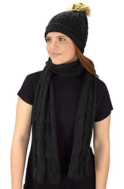 c2ea66fed17 Peach Couture Cable Knit Beret Beanie Hat and Scarf Set Black (79) at  Amazon Women s Clothing store