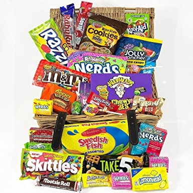 Gran cesta con American Candy | Caja de caramelos y Chucherias Americanas | Surtido de 28