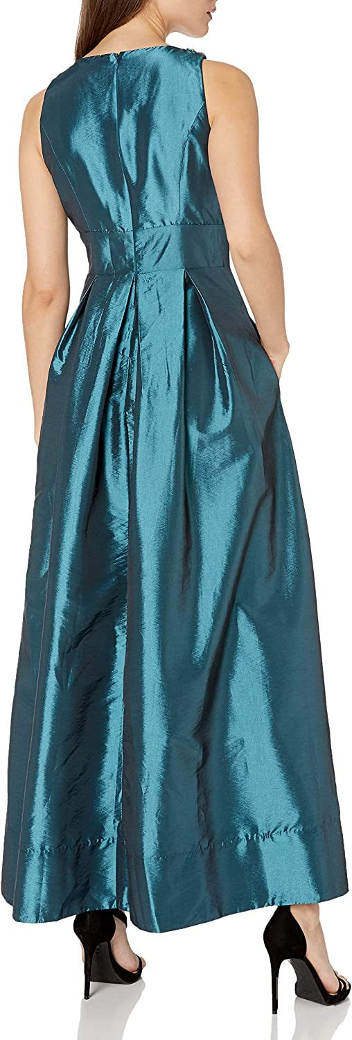Sangria Womens Pearl Necklace Detail Ball Gown